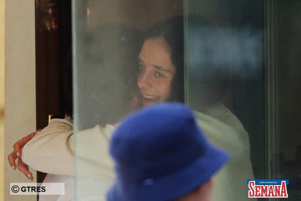 Victoria Federica y Jorge Bárcenas pasean su amor por las calles de Madrid. 1