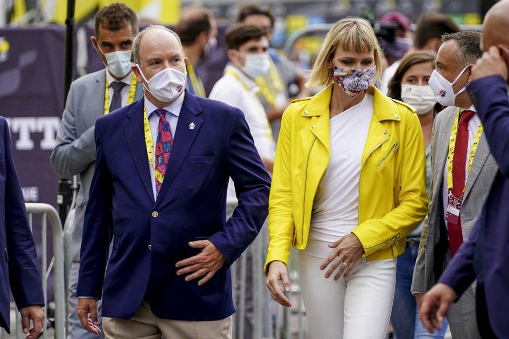 Charlene de Mónaco reaparece con un cambio de imagen en el inicio del Tour de Francia 2