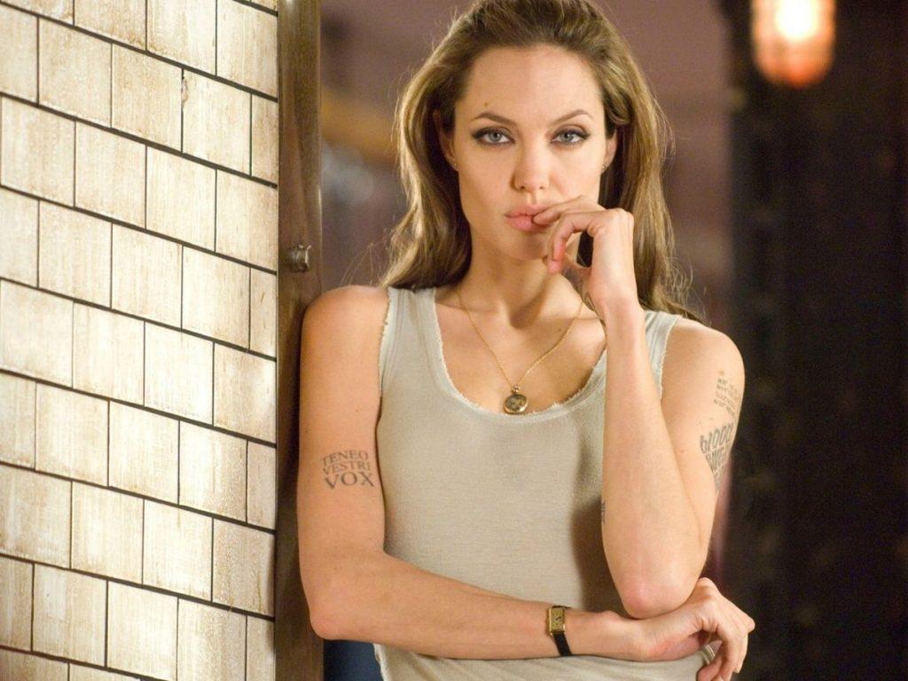 Nicole Poturalski, la modelo alemana que ha conquistado el corazón de Brad Pitt 3