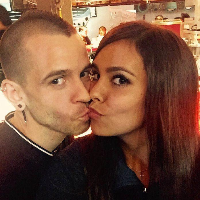 Fotos del día: El beso (ahora prohibido) entre Kiko Rivera e Irene Rosales 4