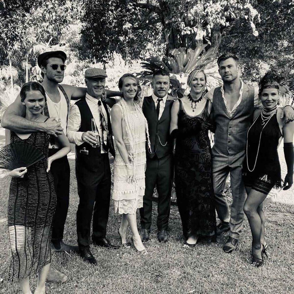 Elsa Pataky y Chris Hemsworth reviven los locos años 20 durante una fiesta familiar 4