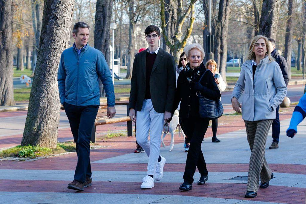 Iñaki Urdangarin llega a casa por Navidad: ya está en Vitoria con la Infanta Cristina y sus hijos 1