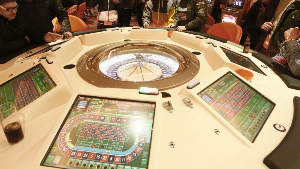 Los jóvenes y el juego: comienzan a apostar cada vez más temprano.