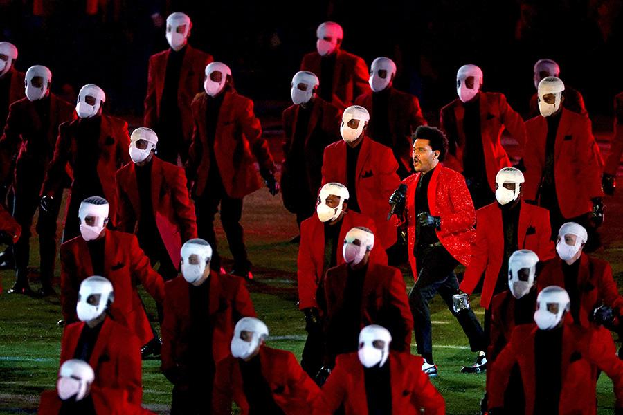 The Weeknd en el Super Bowl: Las reacciones y burlas para