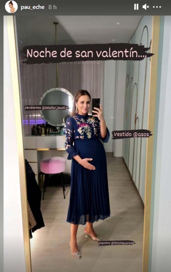 Fotos del día: El romántico beso de Chenoa y su prometido por San Valentín 4