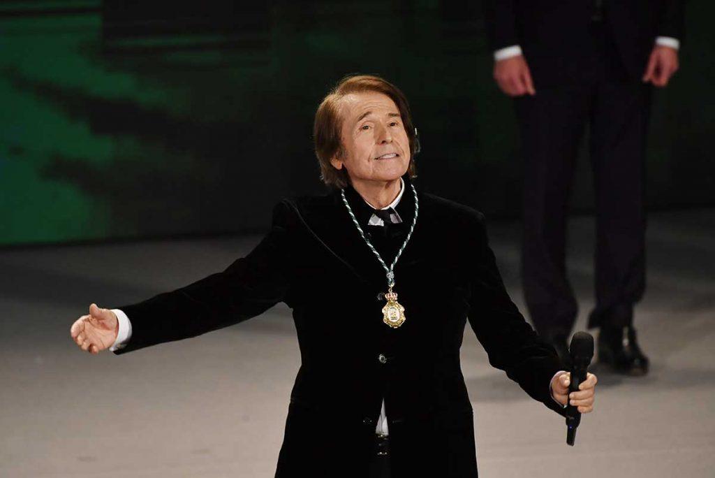 Las lágrimas de Eva González durante el acto de entrega de las Medallas de Andalucía 2