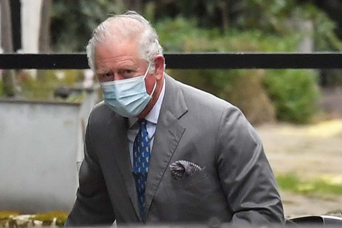 """La reina Isabel II rompe su silencio tras duras acusaciones de Meghan y Harry: """"Toda la familia está triste"""" 1"""