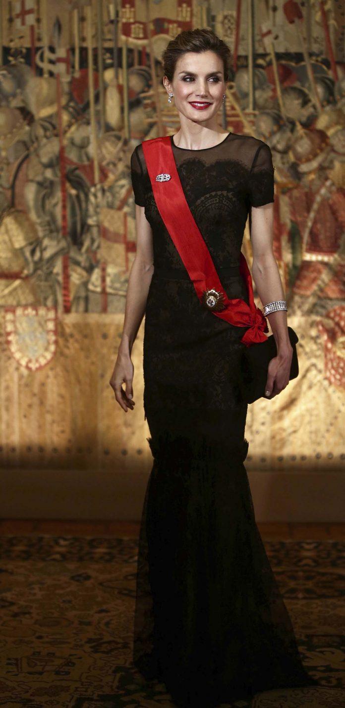 Los looks de la Reina Letizia que más han impactado en el exterior 6