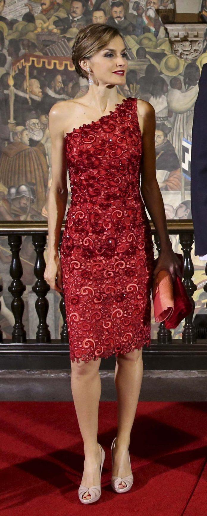 Los looks de la Reina Letizia que más han impactado en el exterior 4