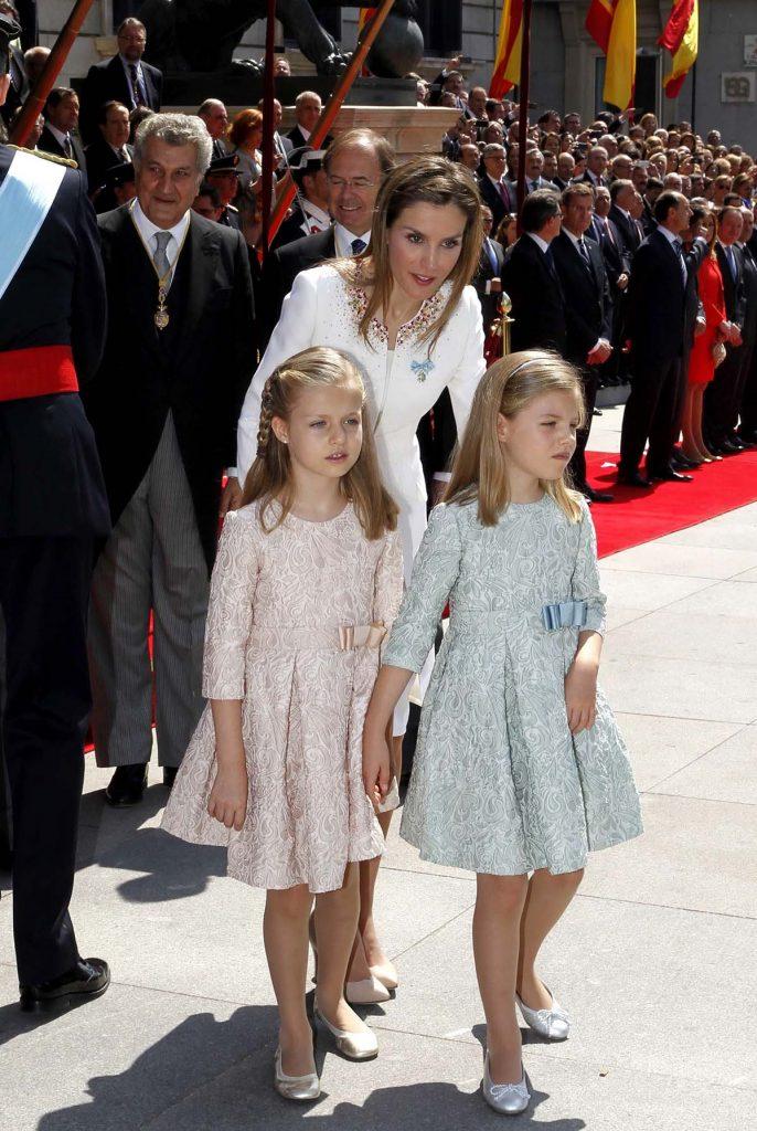 Leonor y Sofía se apuntan para celebrar el aniversario de la Proclamación de los Reyes 2