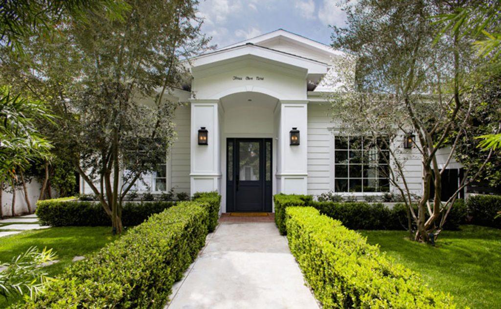 Entramos en la impresionante mansión que vende Margot Robbie por casi 3 millones en Los Ángeles 2