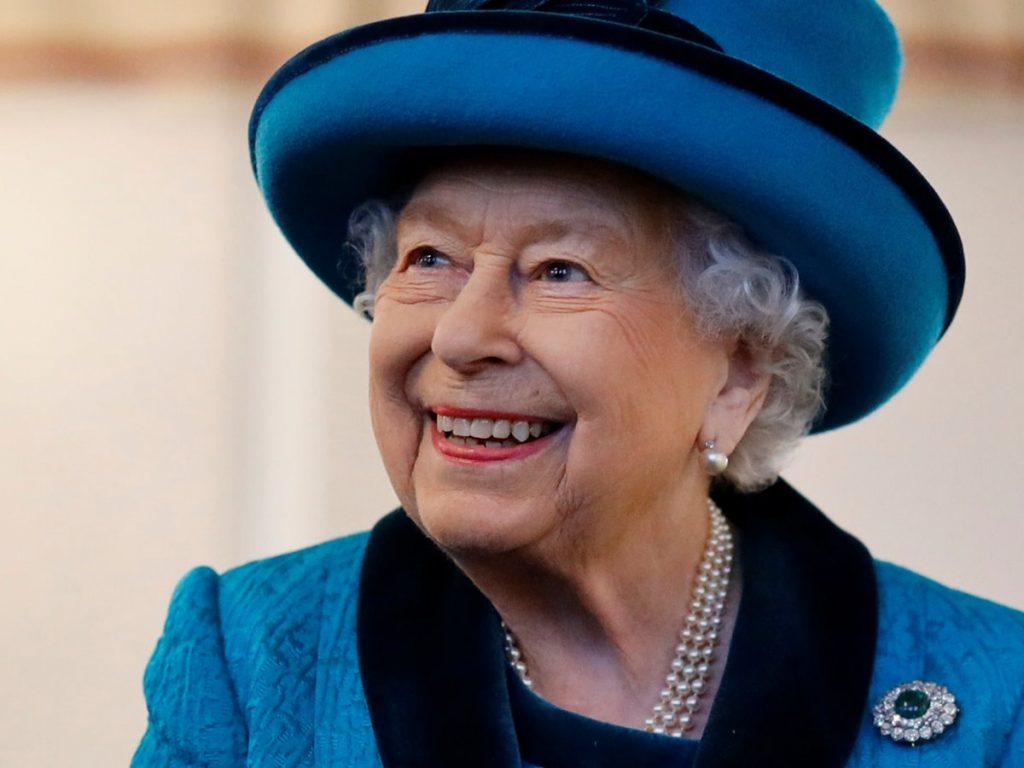 La reina Isabel II preside el 'Trooping the Color', el primero sin el duque de Edimburgo 4