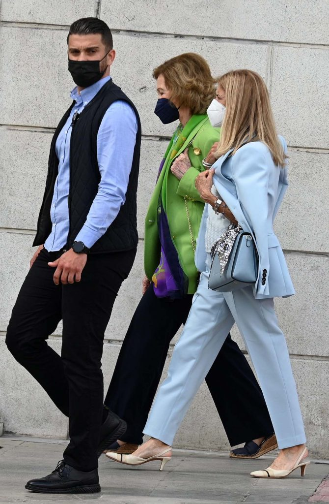 La reina Sofía no para: ahora sorprende de compras en Atenas 2