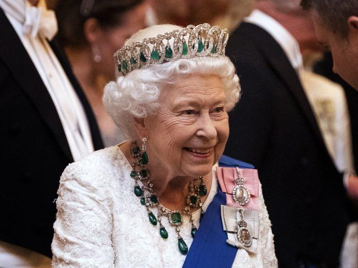 Guerra en Buckingham entre el Príncipe Carlos y su hermano Eduardo por el título de Duque de Edimburgo 2
