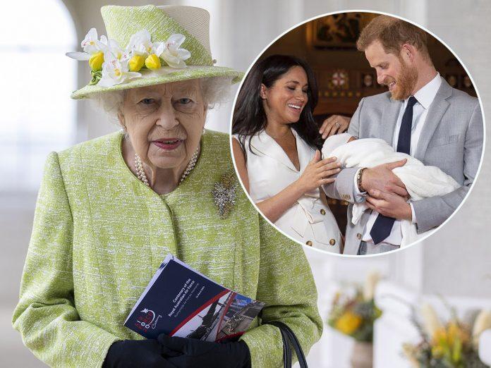 El último dolor de cabeza para Isabel II: el príncipe Harry publica sus memorias 2