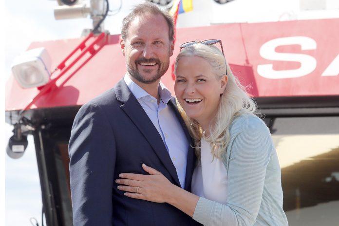 Haakon de Noruega celebra su 48 cumpleaños vistiendo traje de neopreno 4