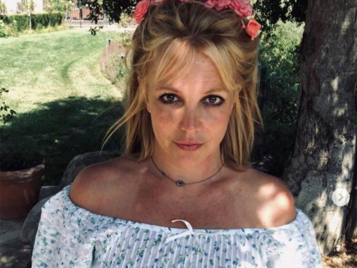 Britney Spears celebra tener su primer iPad a los 39 años 1