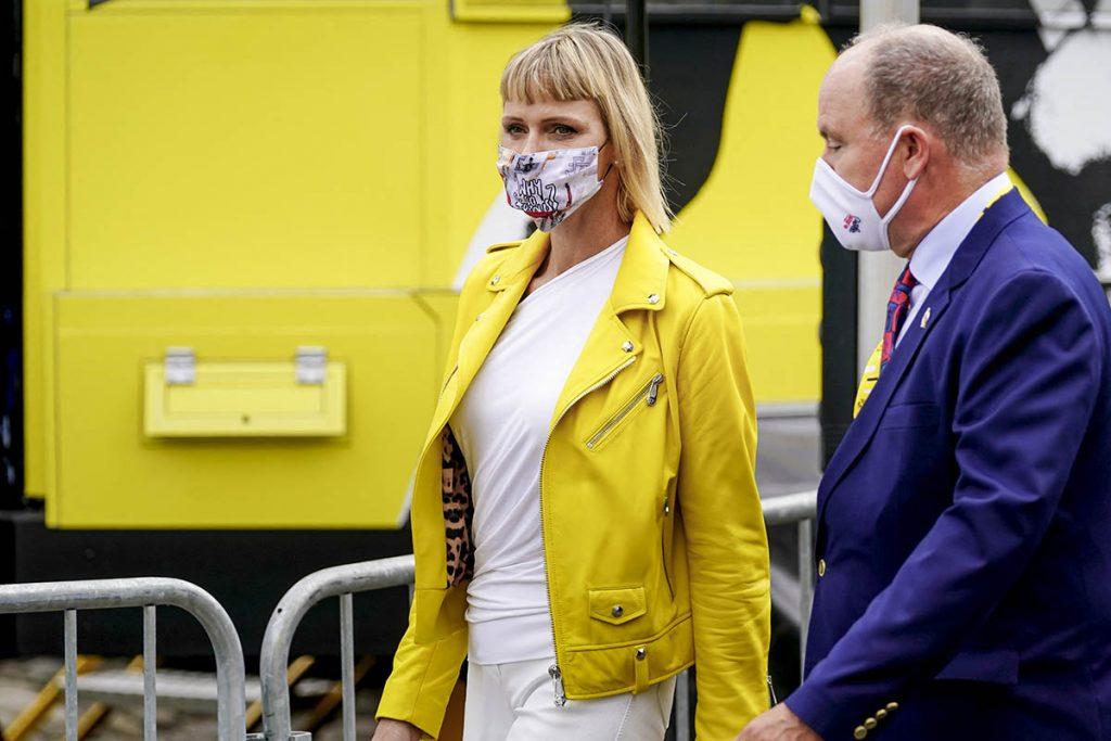 Charlene de Mónaco reaparece con un cambio de imagen en el inicio del Tour de Francia 1