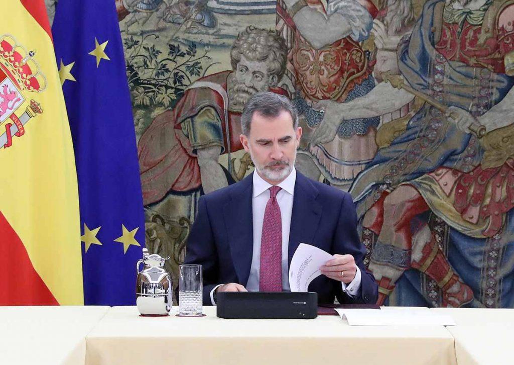 Controversia con el rey Felipe por no presentar las cuentas en las que retira el pago a su padre 1