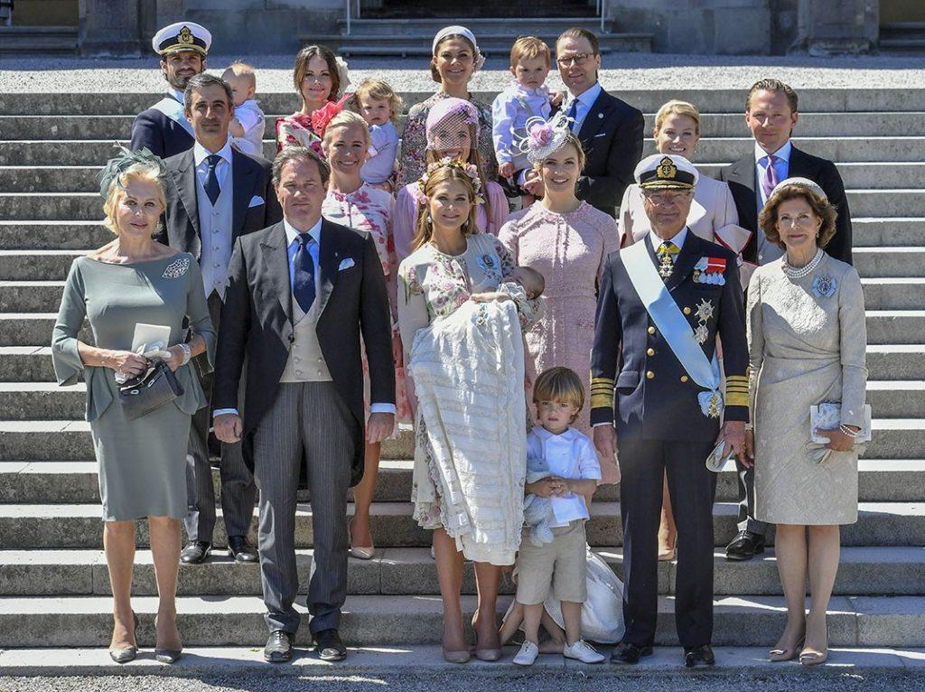 El rey Carlos Gustavo de Suecia cumple 74 años rodeado de su familia (menos uno) 1