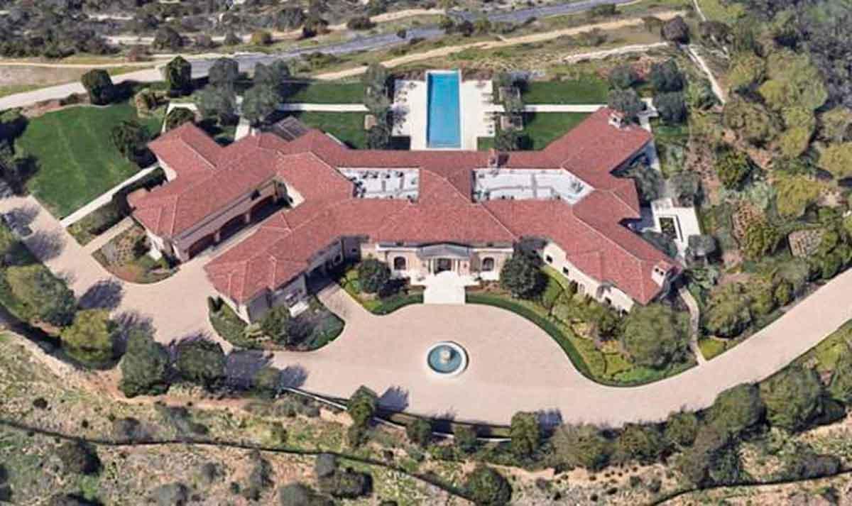 Esta es la lujosa mansión donde viven el príncipe Harry y Meghan Markle en Beverly Hills 1