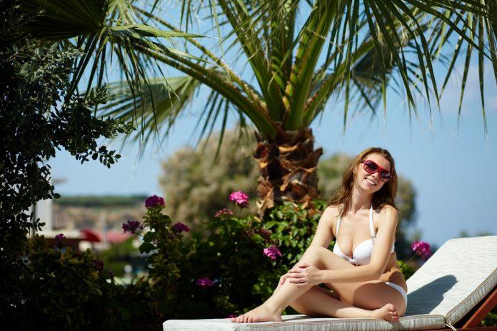 Estos son los tratamientos que te ayudarán a eliminar las manchas solares 1