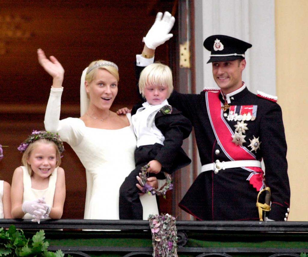 Haakon y Mette-Marit de Noruega celebran su 19 aniversario (cuando nadie apostaba por ellos) 1