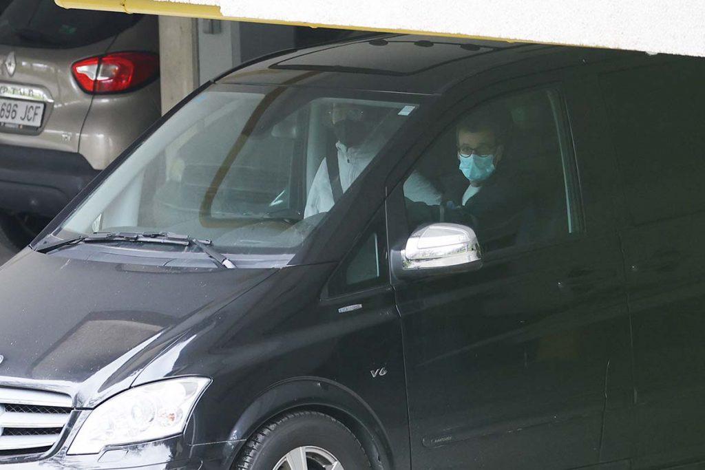 Iñaki Urdangarin llega a la casa de su madre en Vitoria 1