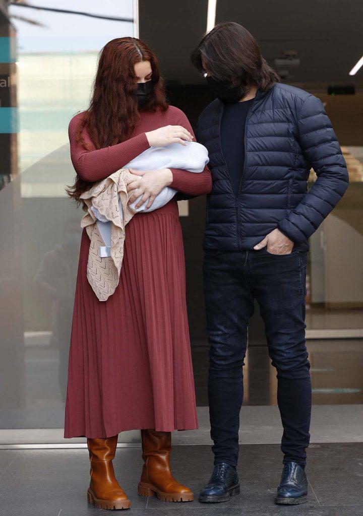 Joaquín Cortés y Mónica Moreno salen del hospital con su segundo hijo 1
