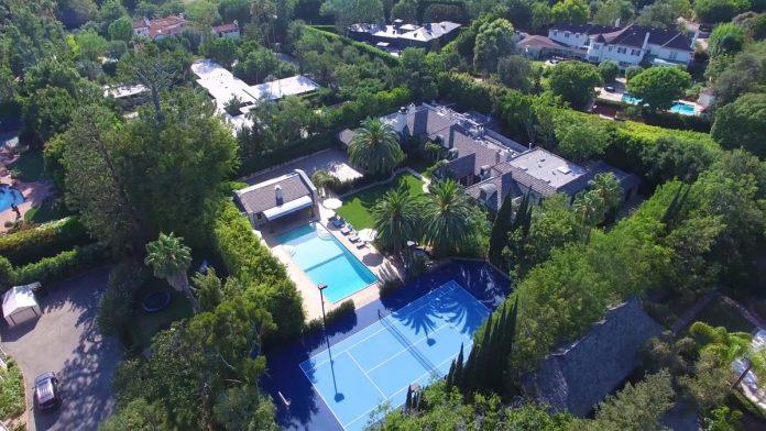 Justin Bieber y su esposa, Hailey Balwin, compran la mansión Madonna en Los Ángeles 1