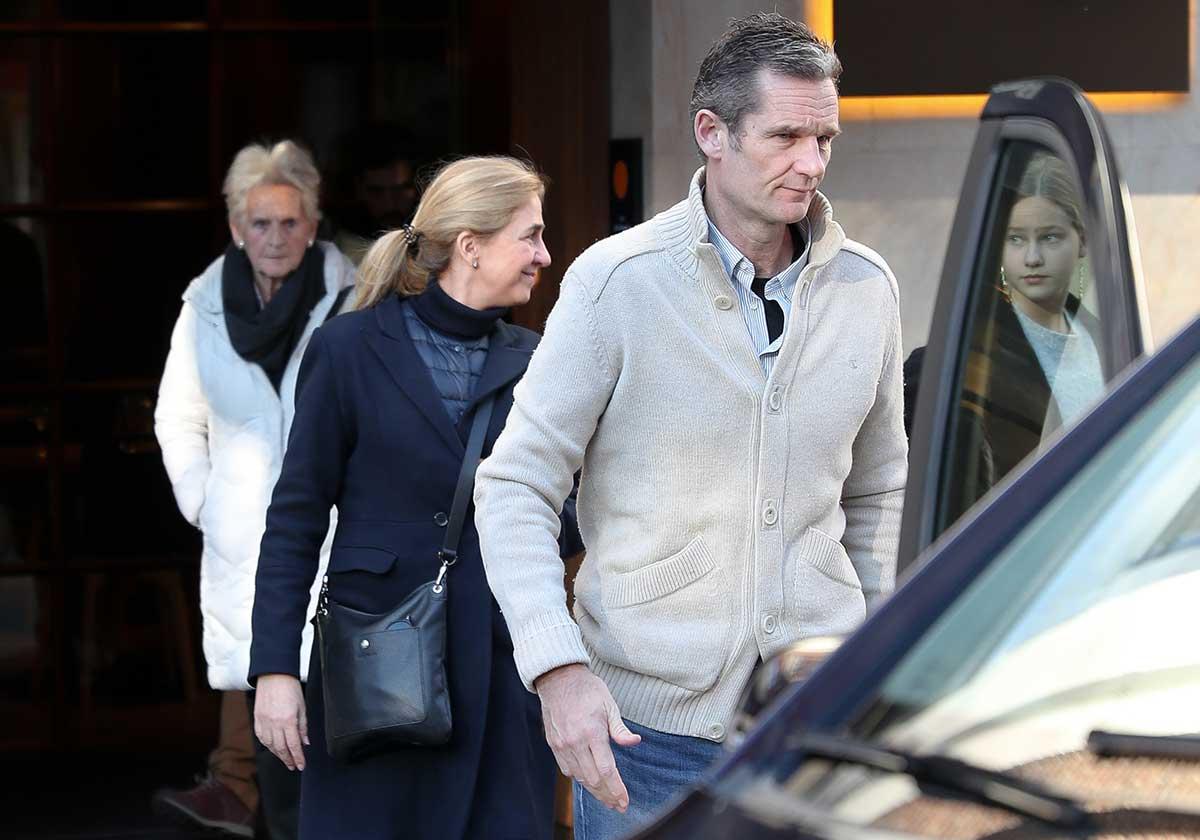 La Infanta Cristina ya está en España con sus hijos para pasar la Navidad con Urdangarin 1