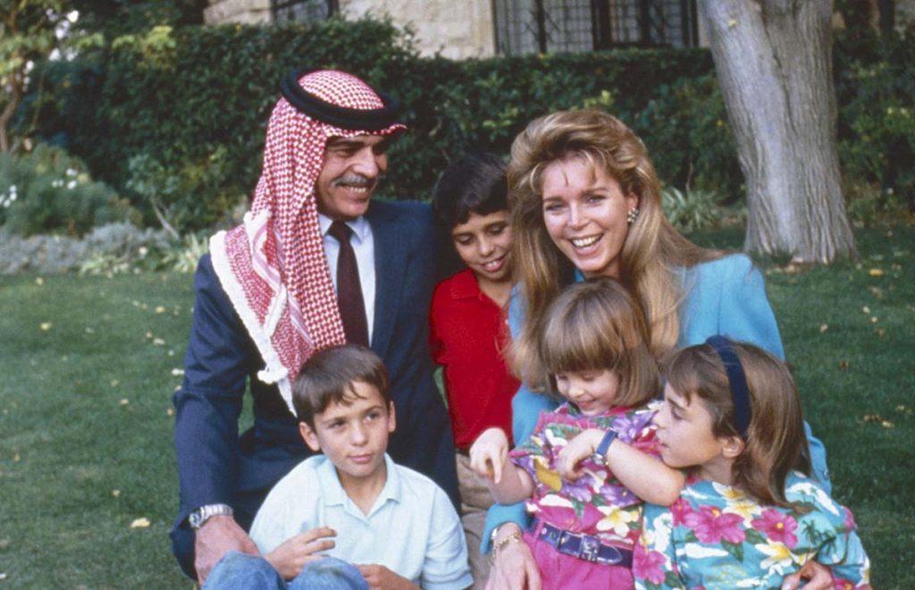 La espantosa 'traición' del hermano que pone a raya a Abdullah y Rania de Jordania 1