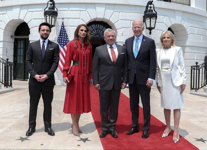 La espectacular maleta con la que Rania de Jordania ha reconquistado Estados Unidos 1