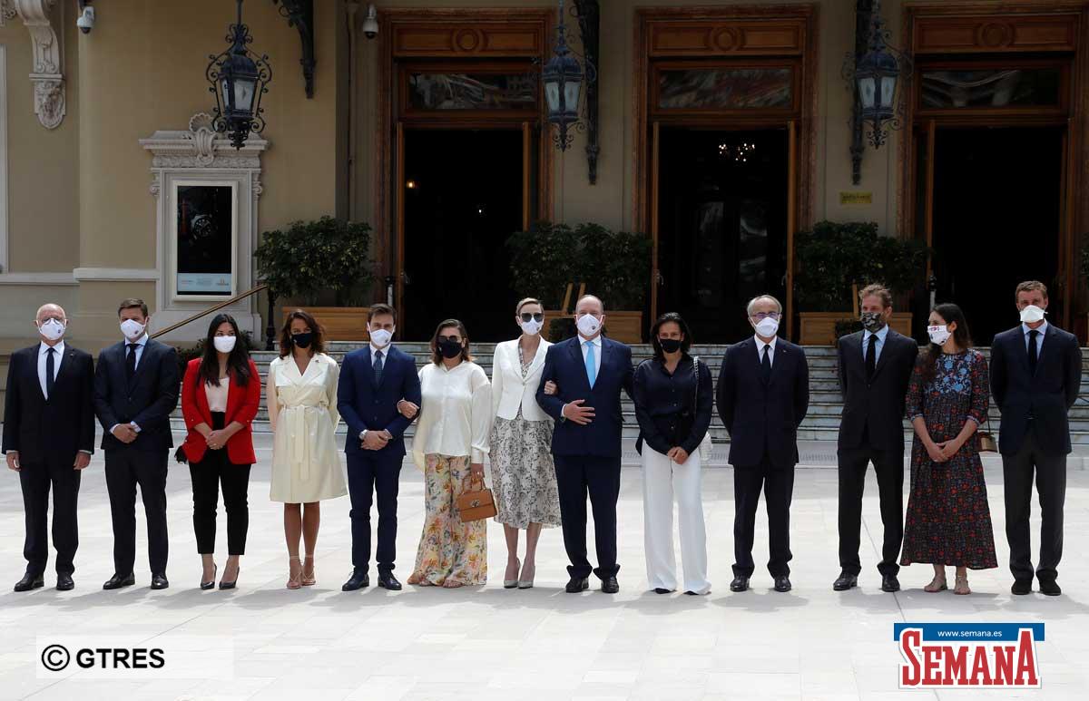 La familia real de Mónaco (con ausencias notables) reaparece altamente protegida en su regreso a la vida pública 1