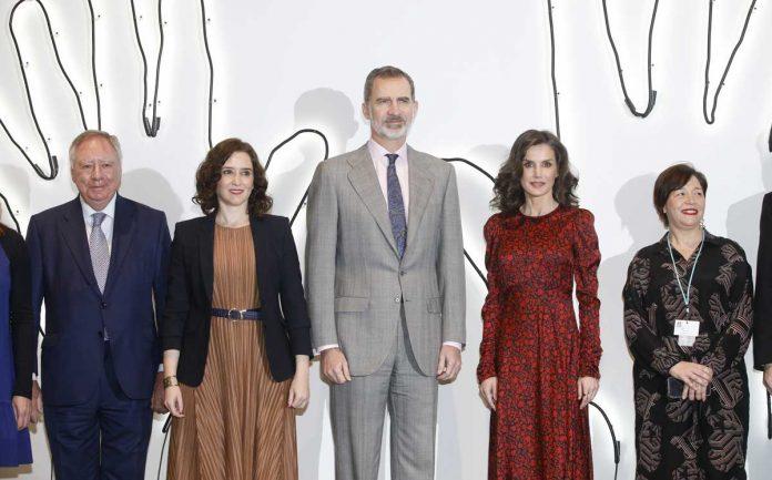 La reina Letizia regresa a ARCO como Gilda y con un estreno francés a la venta 1
