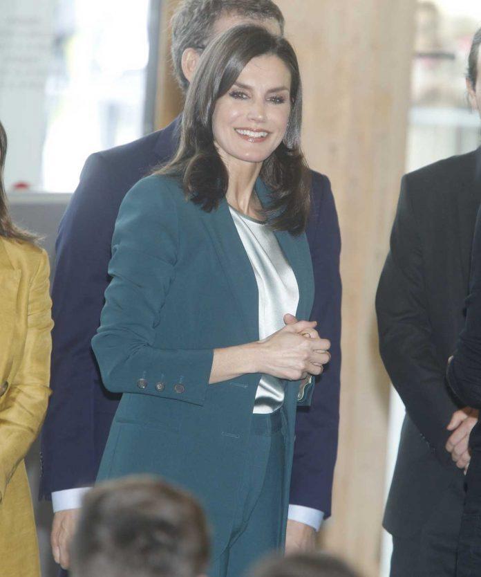 La reina Letizia se pone verde en su primer acto con Pablo Iglesias 1