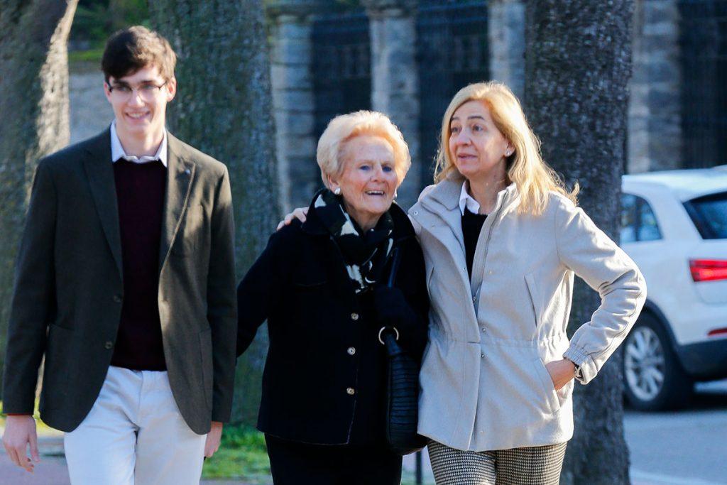 Iñaki Urdangarin llega a casa por Navidad: ya está en Vitoria con la Infanta Cristina y sus hijos 2