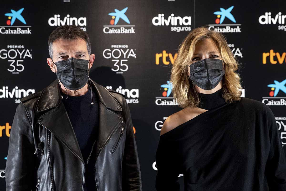 Robert de Niro, Charlize Theron y Salma Hayek se darán cita en los Premios Goya 2021 1