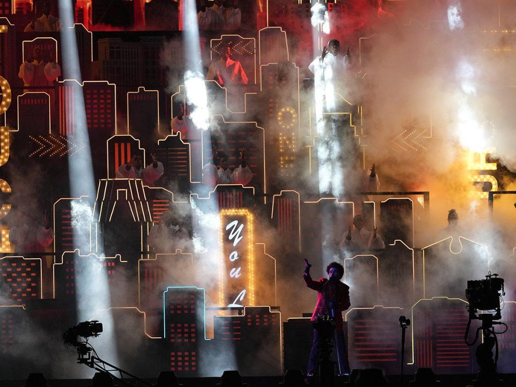 The Weeknd arrasa en la Super Bowl: así fue su actuación de 7 millones de euros 1