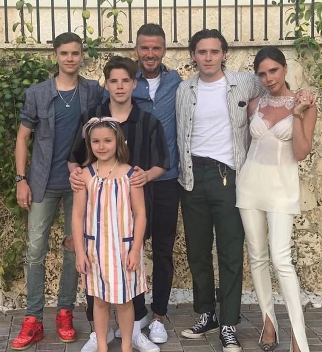 Victoria Beckham desempolva su álbum de fotos para celebrar su cumpleaños 1